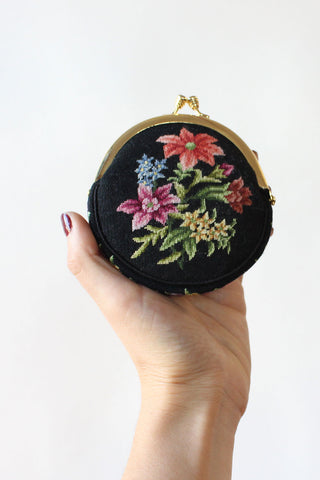 Raffia Bouquet Clutch