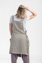 Load image into Gallery viewer, Japanese Linen Apron - Tie detail