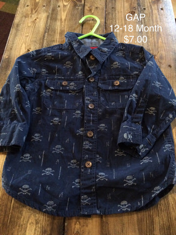 GAP Skull and Crossbones Print Button Down Long Sleeve Shirt