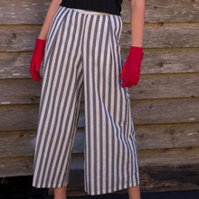 Load image into Gallery viewer, Stripped Pants - Beths Emporium