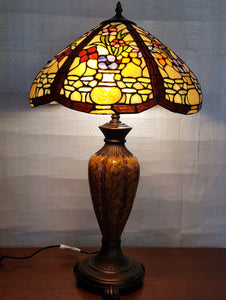 Leadlight Style Floral Urn Table Lamp - Beths Emporium