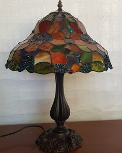 Leadlight Style Sunflowers Table Lamp - Beths Emporium