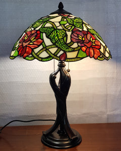 Leadlight Style Peony Table Lamp - Beths Emporium