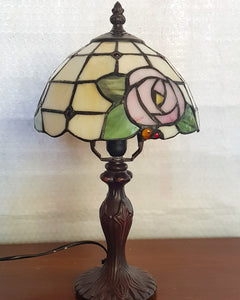 Leadlight Style Small Pia Table Lamp - Beths Emporium