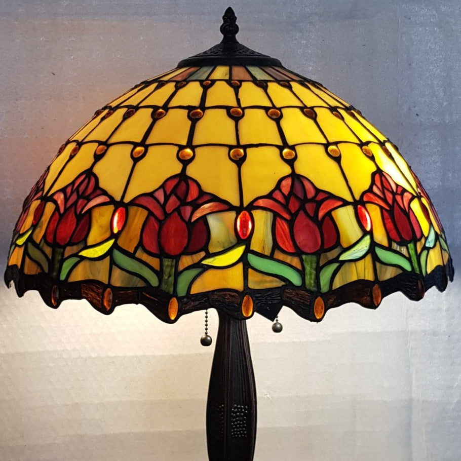 Leadlight Style Red TulipTable Lamp - Beths Emporium