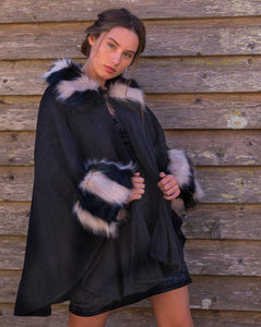 Stunning Head Turner! Black & White Cape - Beths Emporium