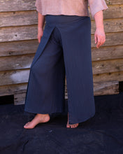 Load image into Gallery viewer, Navy Linen Flares - Beths Emporium