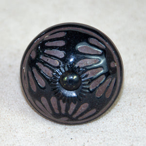 Hand Painted Antique Ceramic Door Drawer Knob - Black Etched Daisy Chain - Beths Emporium