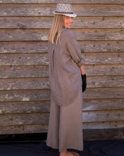 Load image into Gallery viewer, Light Brown Linen Leisure Shirt - Beths Emporium