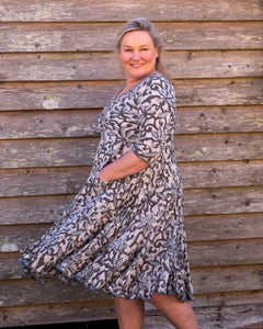The Magic Dress - 3 Shades of Grey - Beths Emporium