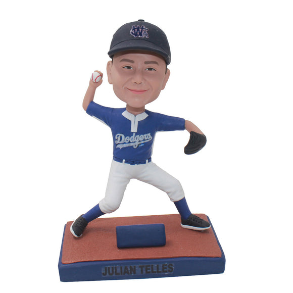 Custom Baseball Bobblehead right Handed Pitcher, Custom Baseball Pitcher Bobblehead - Abobblehead.com