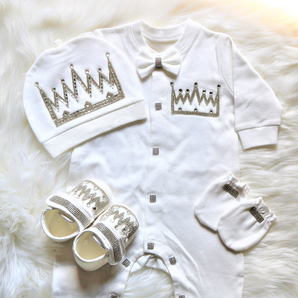 White Crown Outfit
