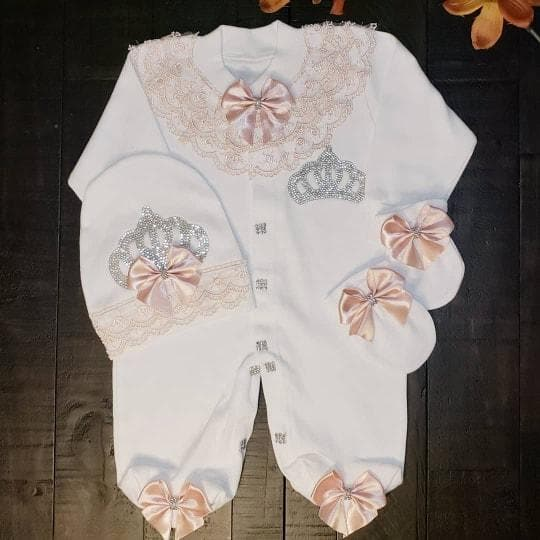 Peach lace angel wings outfit