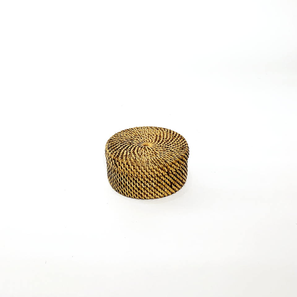 Flat Round Storage Container - Antiqued Rattan