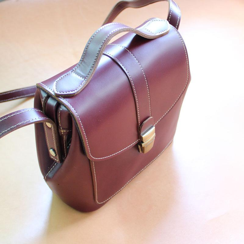 Handmade Womens Claret Leather Doctor Shoulder Purses Red Doctor Crossbody Purses for Women