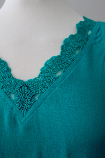 Bright Winter seasonal tone tank top sleeveless blouse in teal green with lace Skies are Blue for Stitch Fix Kristie