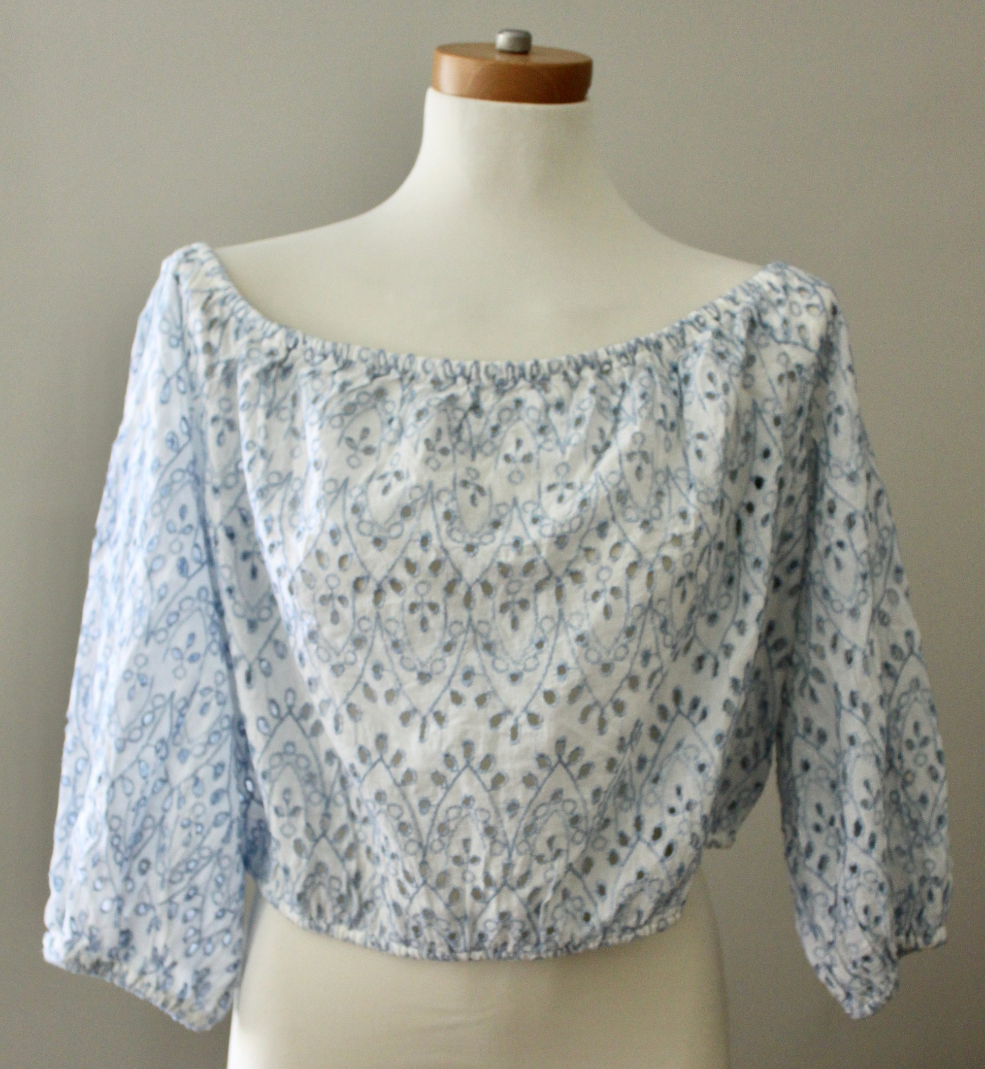 Light Summer Eyelet Crop Top