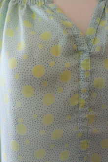 ANN TAYLOR Light Spring pale green dot top detail