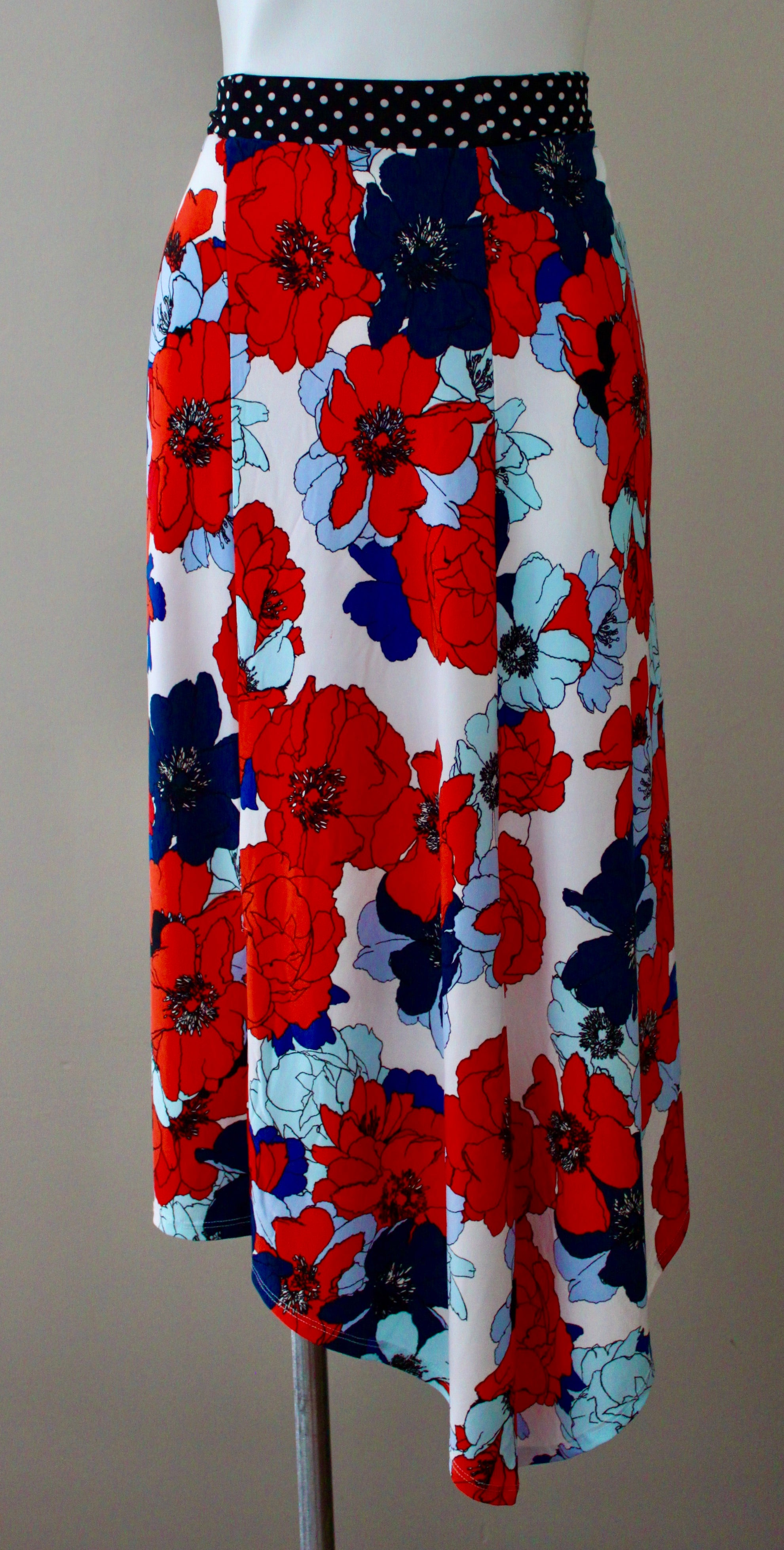 WESTPORT Bright Winter floral skirt.