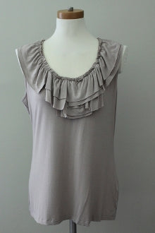 NEW YORK & CO Soft Summer papyrus gray ruffled top