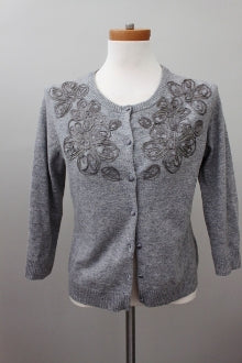 GARNET HILL Soft Autumn pebble embroidered sweater