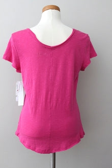 4TH AND UNION Dark Winter vivid pink tee detail