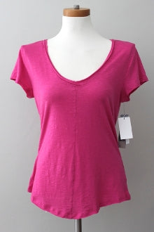 4TH AND UNION Dark Winter vivid pink tee