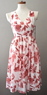 CUPCAKES AND CASHMERE Soft Autumn pink print dress
