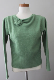 DEREK HEART Dark Winter wasabi sweater