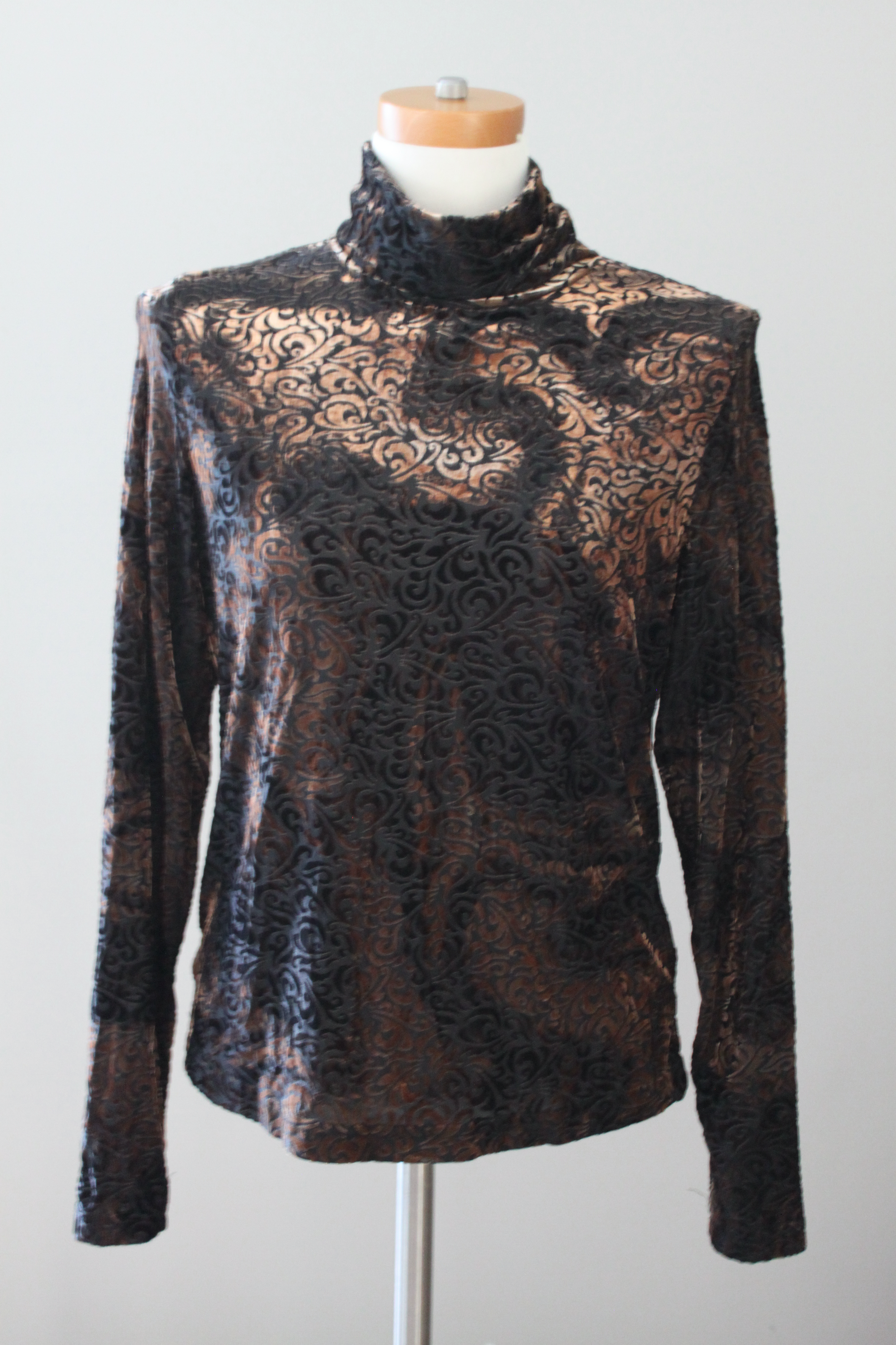 Dark Winter Print Turtleneck