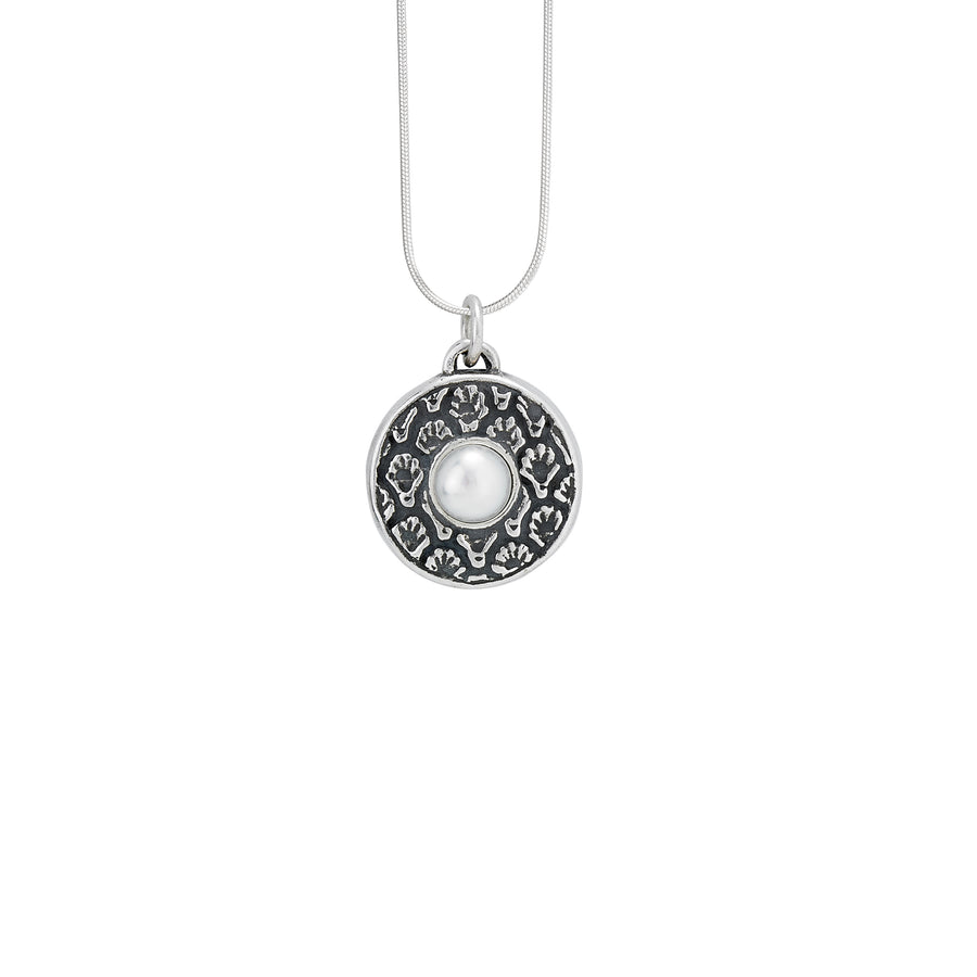 Coquille Pearl Pendant