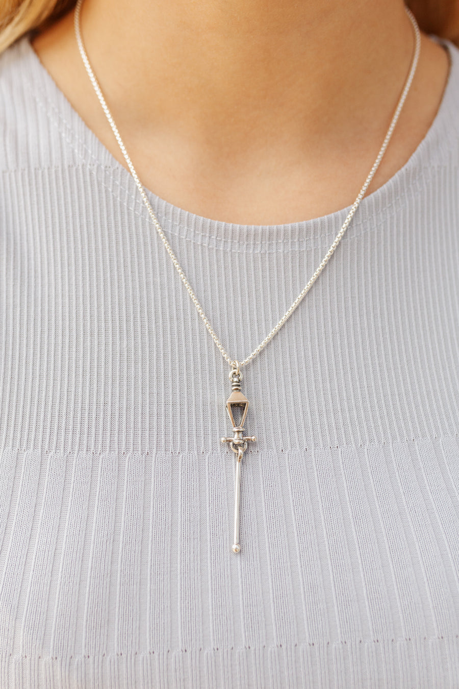 NEW Rue Royale Pendant