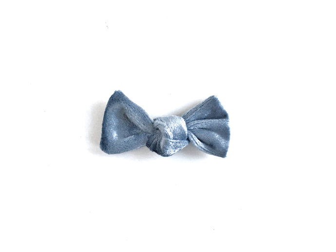 Petit Knot // Ice Blue - Knots and Dots