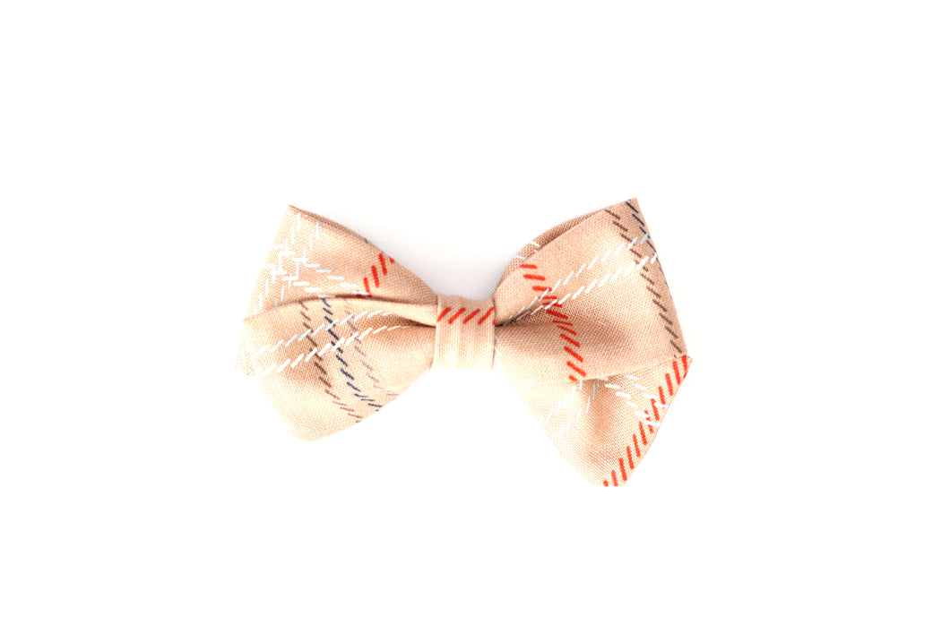 Classic Bow // Clan Pink - Knots and Dots