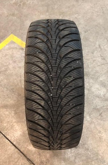 GOODYEAR ULTRA GRIP ICE WRT - 235/55R17 99T - QTÉ 4