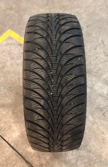 GOODYEAR ULTRA GRIP ICE WRT - 235/55R17 99T - QTÉ 2