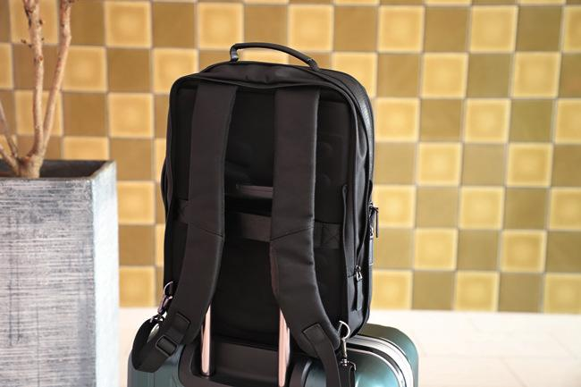 Rear Suitcase Strap of Nayo Acme travel backpack