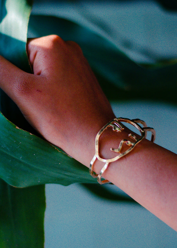 GOLD ABSTRACT HAND CUFF
