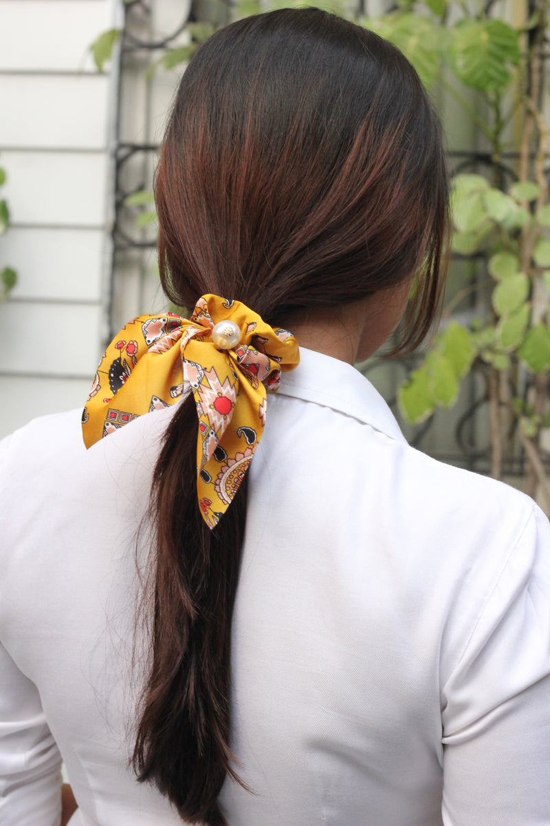 Yellow Short Hair Tie with Pearl