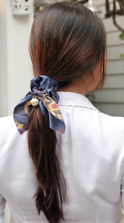 Blue Short Hair Tie with Pearl
