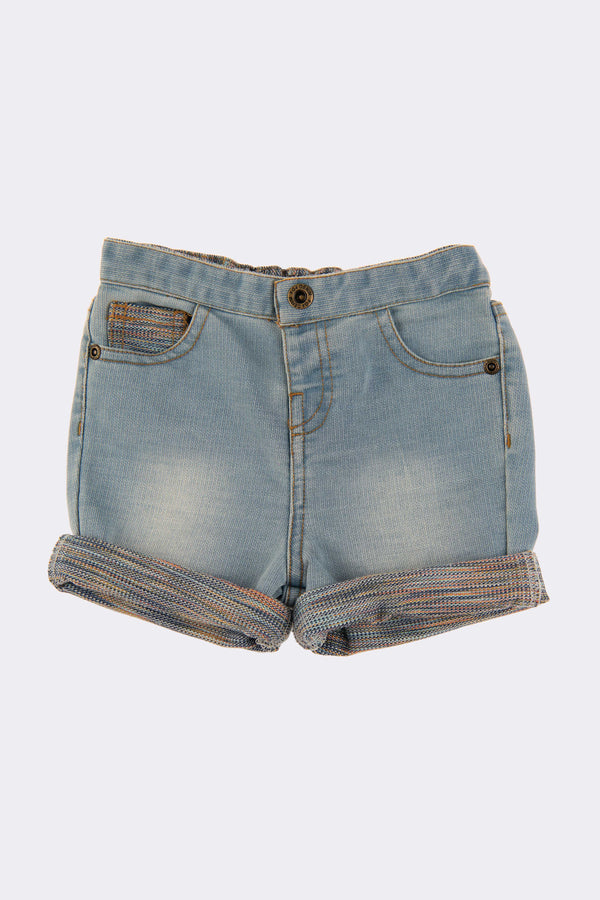 Denim shorts with zip opening, pockets and turn ups.