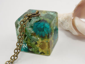 """Ice cube"" - tiny dried flowers in cube shaped eco-resin necklace"