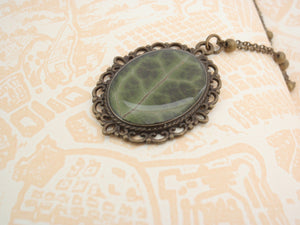 Real ivy leaf botanical necklace