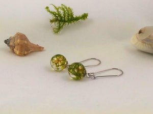 Real green moss earrings with golden leaves