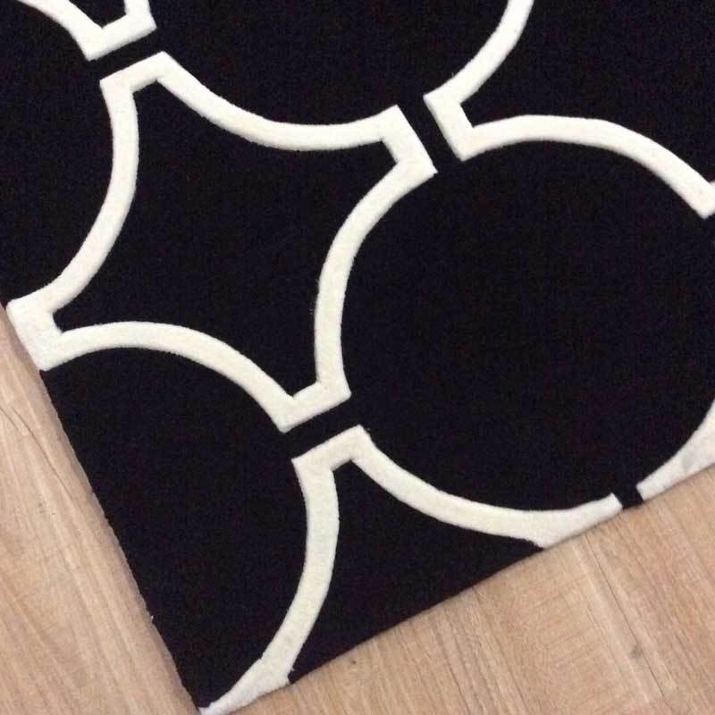 Ascot Luxury 100% Wool Floor Rug in Black and White