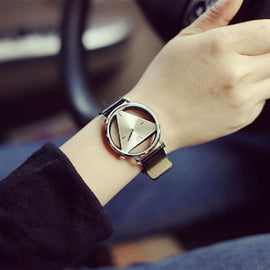 Woman Mens Retro Design Leather Band Analog Alloy Quartz Wrist Watch Ladies Casual Bracelet Watch