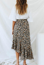 Load image into Gallery viewer, Side Slit  Leopard Printed Skirts