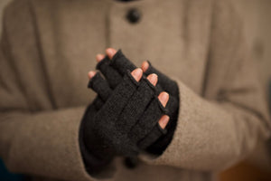 Nishiguchi Kutsushita, Wool, Made in Japan, Ethically Produced, Arm Warmers, Charcoal, Grey