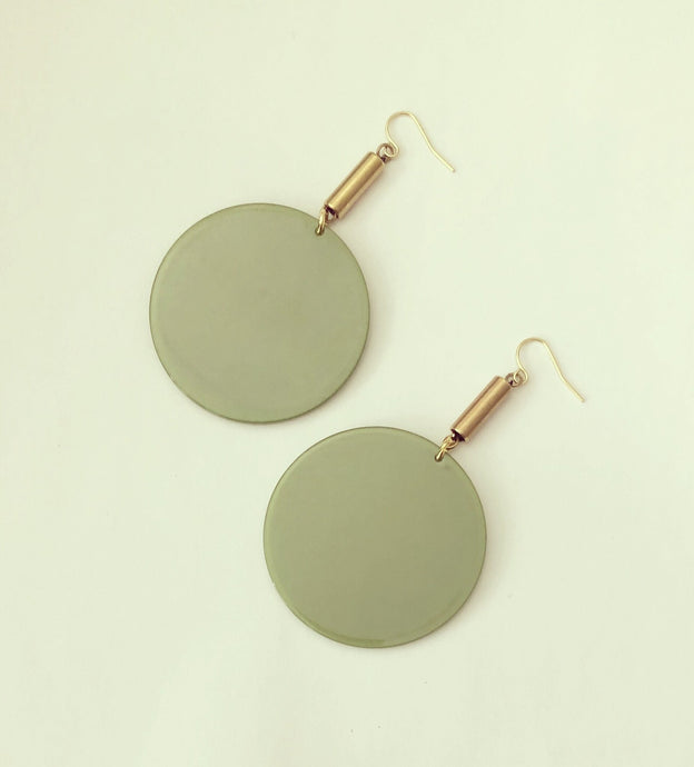 The Flümme Earrings - Green