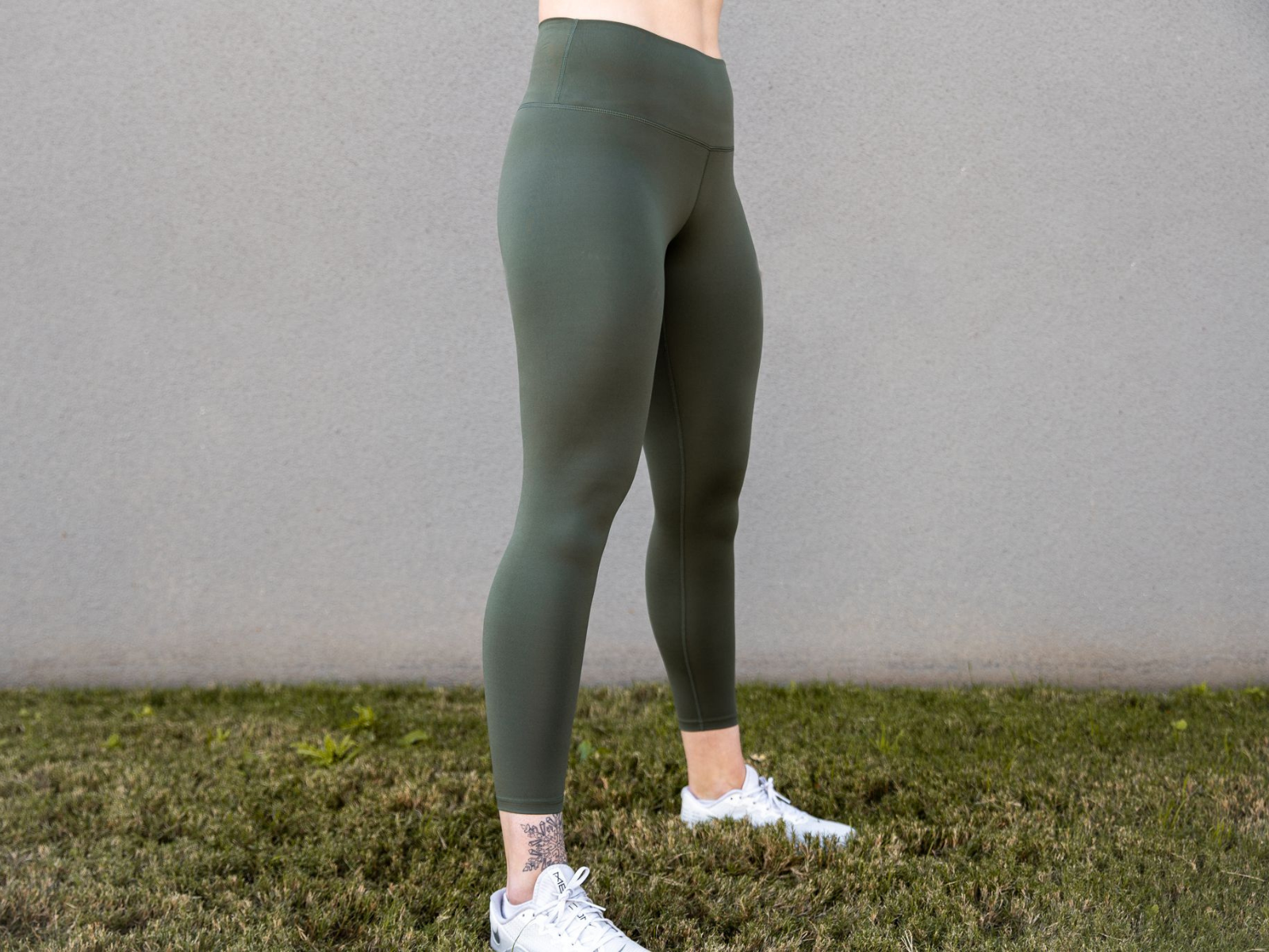 "Olive Essential Leggings 25"" - 2POOD"